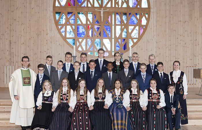Knarvik kirke – søndag 7. mai konfirmantgrupper