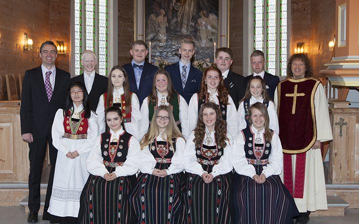 Sæbø kyrkje konfirmantgrupper
