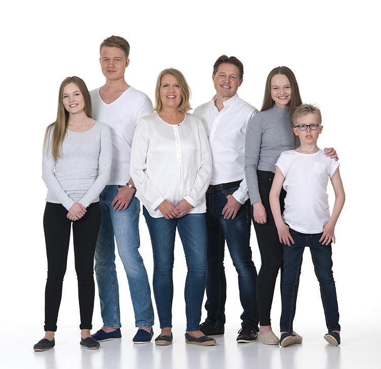 Christin med sin familie